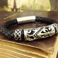 http://www.theirishjewelrycompany.com/-strse-1062/Celtic-Leather-Braided-Bracelet/Detail.bok